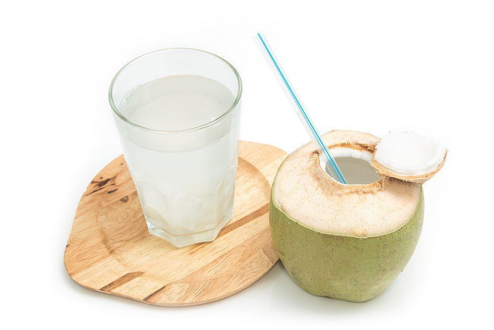 air-kelapa-muda-untuk-ibu-hamil